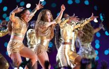 Shakira deslumbró con un espectáculo que recorrió sus principales éxitos y evocó el ambiente carnavalero  con bailes de mapalé y champeta verbenera.