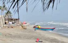 """En Puebloviejo la fuera de las olas se han """"tragado' más de 150 metros de playa."""