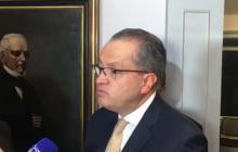 """Procurador asegura que no hay un """"ilícito disciplinario"""" por uso de avión presidencial"""