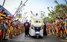 El empresario Mario Tarud disfrazado del papa Francisco en el Carnaval de 2019.