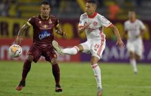 Acción del juego entre Tolima e Internacional.