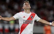 El barranquillero Rafael Santos Borré celebra el primer gol de River ante Estudiantes el domingo.