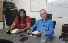 Administrador de la Salud, Julio Sáenz y secretaria de Salud departamental, Rosario Moscote.