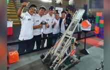 Jóvenes barranquilleros triunfan en torneo internacional de robótica