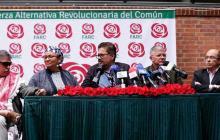 Las críticas contra las Farc por sus polémicas declaraciones ante la JEP