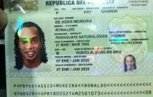 Ordenan arresto de Ronaldinho por ingresar con pasaporte falso en Paraguay