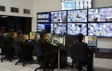 Unidades policiales durante labores de vigilancia.
