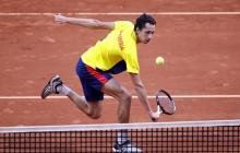 El tenista colombiano Daniel Galán durante su partido contra el argentino Juan Ignacio Londero.