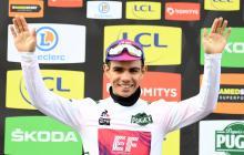El ciclista colombiano es el líder en la clasificación de los jóvenes.