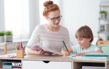 Expertas recomiendan aprender con los hijos.