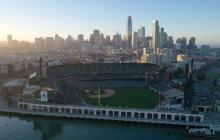 Oracle Park, el estadio donde juegan los Gigantes de San Francisco, permanecerá así, sin público en sus tribunas, por un largo rato.