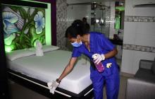 Moteles y ventas informales se unen a la desinfección