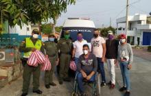 Ayudas en mercados y tapabocas para vecinos del barrio Chiquinquirá.