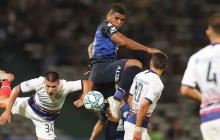 El cartagenero Rafael Pérez en acción durante un partido con Talleres de Córdoba en el fútbol argentino.