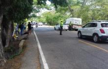 Uniformados de la Policía durante un control vial.