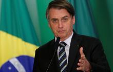 El presidente de Brasil puso en funcionamiento gimnasios y peluquerías