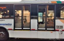 Bus afectado por el ataque.