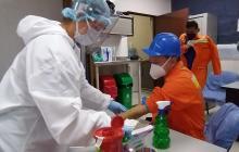 Aspecto de las pruebas rápidas de COVID-19 a empleados del Puerto de Santa Marta.