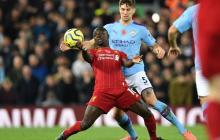 Acción de un juego entre el Manchester City y el Liverpool.