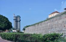 Cerca al Castillo de San Felipe fue construido el edificio Aquarela.