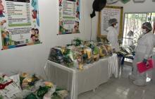 Directora de ICBF entregó canastas alimentarias en Soledad