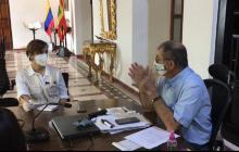 Aspecto de la visita de la Contraloría General al alcalde de Cartagena, William Dau.