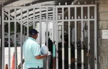 Renuncias de médicos y cierre de urgencias en Clínica Adela de Char por amenazas