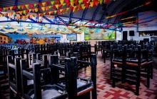 """Los restaurantes de los municipios sin contagio de la COVID-19 podrán regresar a """"brindar experiencia en el sitio"""" cumpliendo protocolos de bioseguridad."""