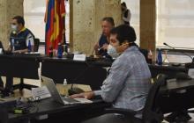 El presidente ejecutivo de la Cámara de Comercio de Cartagena, Juan Pablo Vélez Castellanos, durante el Puesto de Mando Unificado.