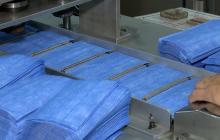 Fabricar tapabocas permite a empresas colombianas salvar empleos