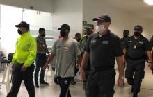 Los militares señalados son conducidos a una de las audiencias dentro del proceso por violación de menor.