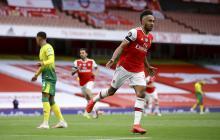 Pierre-Emerick Aubameyang celebrando uno de los dos goles que convirtió.