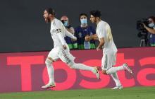 Sergio Ramos celebra su tanto anotado de penalti.