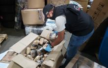 Policía y CTI incautan droga en empresa de envíos en Galapa