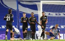 Raheem Sterling celebra con sus compañeros el quinto y último gol del Manchester City.