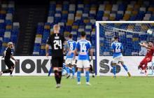 David Ospina regresa a la titular del Nápoles, que empata 2-2 con Milan
