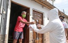 Adultos de programas distritales recibieron 3.800 kits de autocuidado