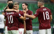 Los jugadores del AC Milan celebran uno de los tantos anotados ante el Bolonia.