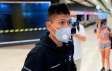 El ciclista Nairo Quintana en el aeropuerto de Madrid.