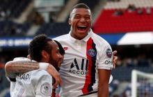 Kylian Mbappé celebrando un gol con Neymar en el PSG.