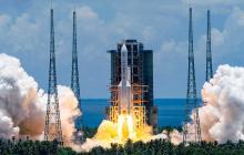China lanza con éxito su sonda a Marte