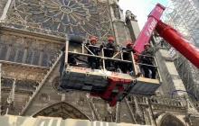 En video | Las manos que levantan Notre Dame