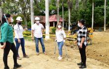 Gobernadora inspeccionó avance de obras del Centro Artesanal de Usiacurí