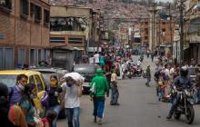 "Venezuela marca récord de contagios de lCOVID-19 pese a ""cuarentena radical"""