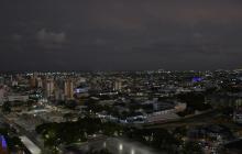 Panorámica nocturna de la ciudad de Barranquilla, considerada la capital de la Región Caribe.