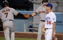 Donovan Solano en el triunfo de los gigantes frente a los Dodgers.