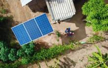 Colombiano busca llevar energía a poblaciones lejanas con kit portátil solar