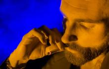 """Maroon 5 invita a """"terminar la guerra en contra de la marihuana"""""""