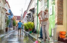 Varios habitantes del barrio Getsemaní participaron en la lavatón.
