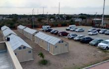Estas son las 66 nuevas camas en Maicao para hospitalización básica ubicadas en un área tipo campamento.